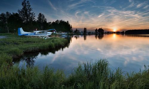 胡德湖<br>        Lake Hood