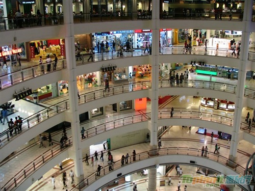 【吉隆坡】雙子塔內陽光廣場一年2次大減價
